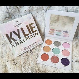 "Kylie Jenners ""Kylie X Balmain"" pallet"